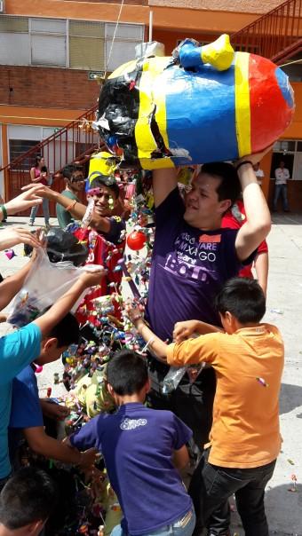 Fundación Coca-Cola comparte la alegría con miles de niñas y niños en su día (2) (1)