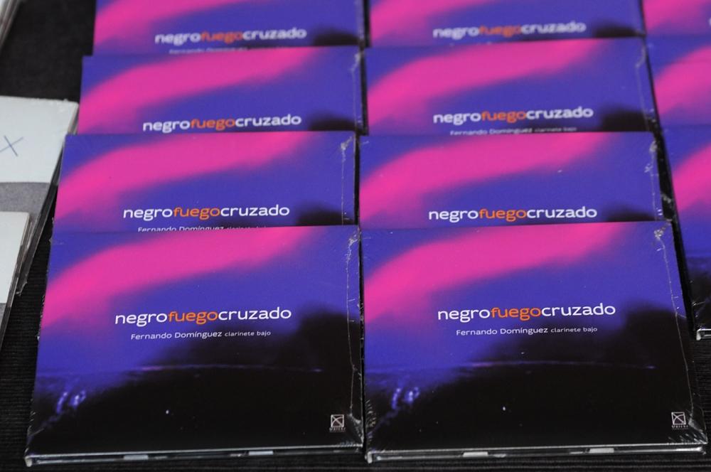 Presentacion_disco_Negro_fuego_cruzado_de_Fernando_Dominguez_Fonoteca_ALR_0349b